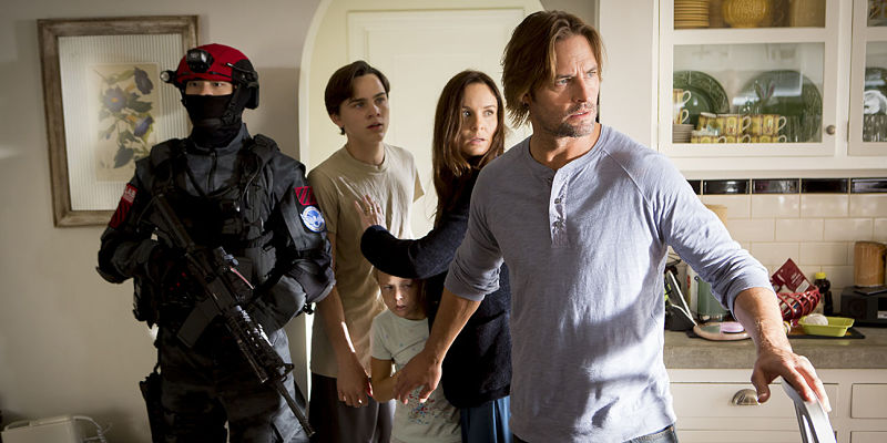 """COLONY -- """"Pilot"""" Episode 101 -- Pictured: (l-r) -- (Photo by: Paul Drinkwater/USA Network)"""