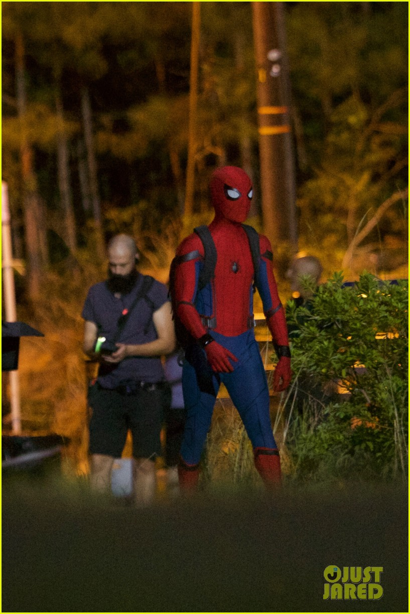 tom-holland-spiderman-night-shoots-stunt-note-06