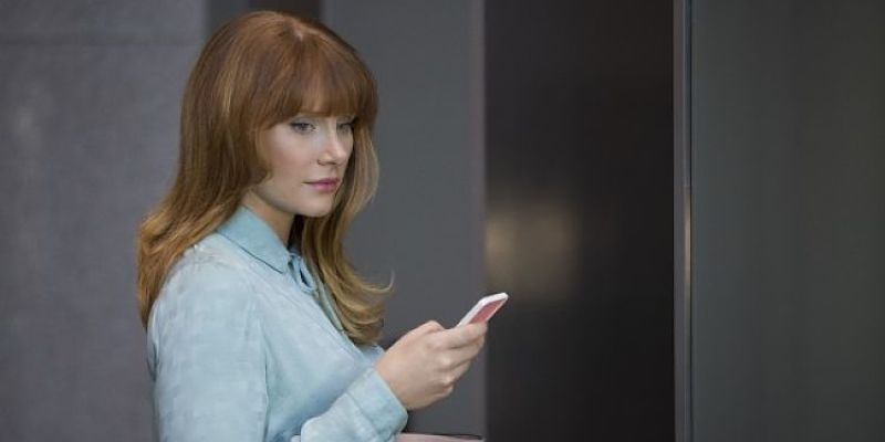 black-mirror-season-3-bryce-dallas-howard-600x400_opt_opt