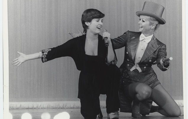 1240345_Bright-Lights-Starring-Carrie-Fisher-and-Debbie-Reynolds_3