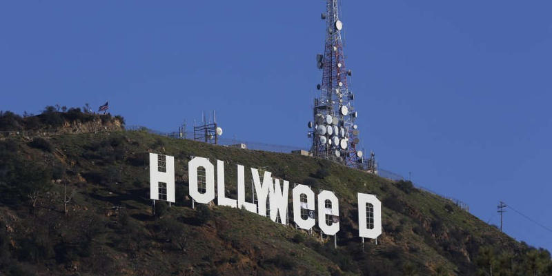 """Hollyweed: Hollywood """"cambia nome"""" per Capodanno"""