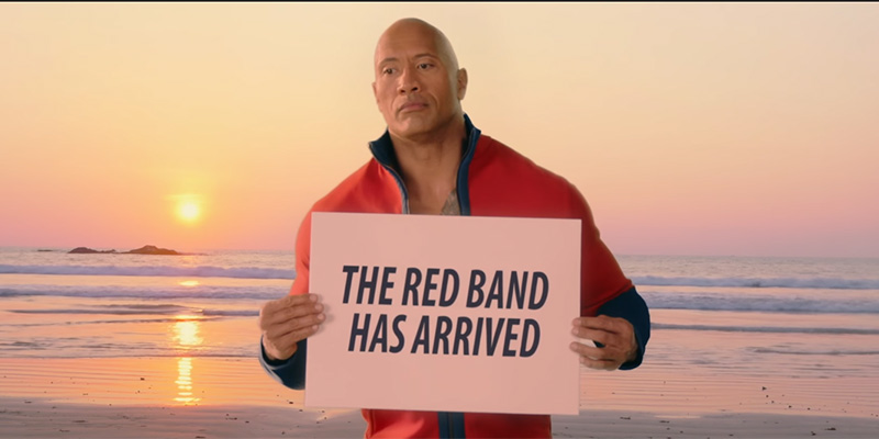 Baywatch – Dwayne Johnson presenta il nuovo Red-Band Trailer italiano