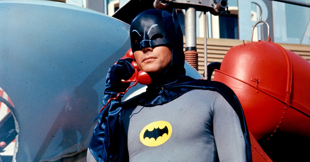 È morto Adam West, il Batman della serie tv del '66
