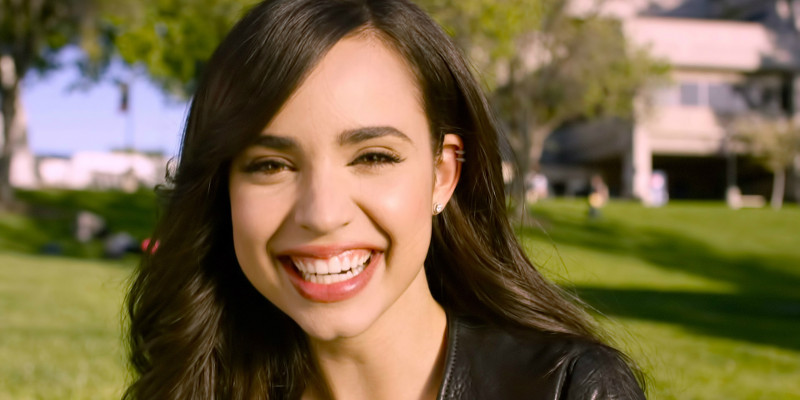 Sofia Carson da Descendants a Pretty Little Liars, sarà la protagonista dello spin-off