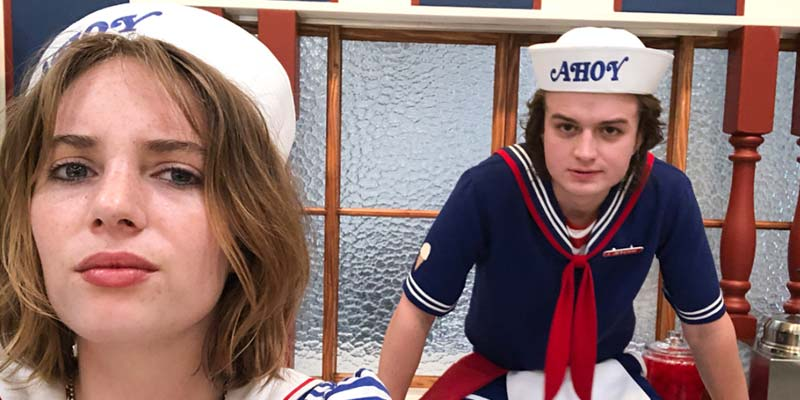 Stranger Things 3 – Maya Hawke e Joe Keery in una foto dal set