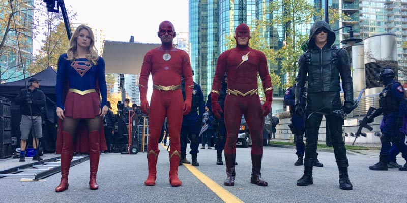 Elseworlds – John Wesley Shipp è Flash nelle nuove foto del cross-over