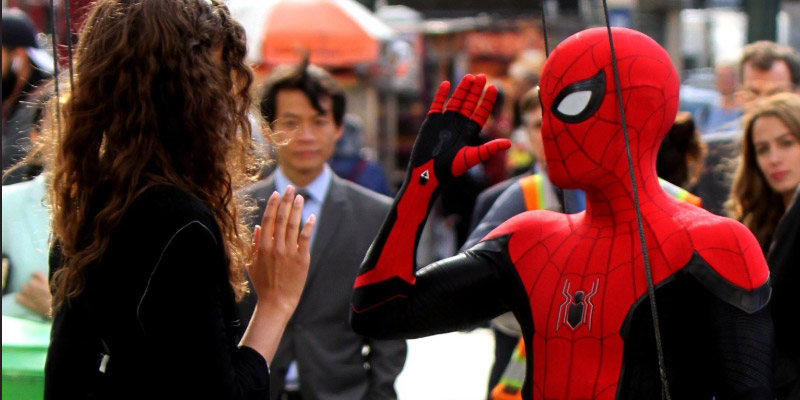 Spider-Man: Far From Home – Ecco il nuovo costume nelle foto e nei video dal set