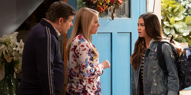 No Good Nick – Poster e data per la serie Netflix con Melissa Joan Hart e Sean Astin