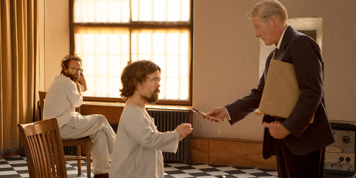 Richard Gere e Peter Dinklage nel trailer di Three Christs