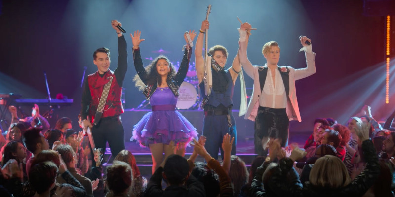 Julie and the Phantoms: il trailer ufficiale della serie Netflix, dal regista di High School Musical